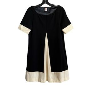 Abaete A-line Black and White Short Sleeve Dress